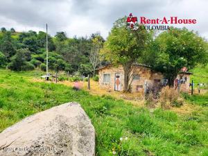 Terreno En Ventaen Bogota, Tunjuelito Usme, Colombia, CO RAH: 22-1041