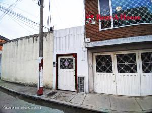 Casa En Ventaen Bogota, San Jose Fontibon, Colombia, CO RAH: 22-1048