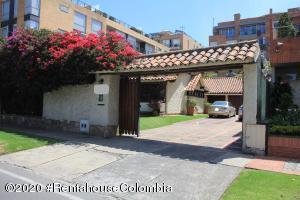 Casa En Ventaen Bogota, La Calleja, Colombia, CO RAH: 22-1056