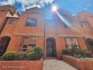 Casa En Ventaen Bogota, Portales Del Norte, Colombia, CO RAH: 22-8