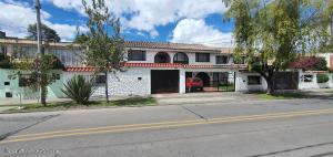Casa En Ventaen Bogota, Santa Margarita, Colombia, CO RAH: 22-1129