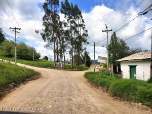 Terreno En Ventaen La Calera, San Luis, Colombia, CO RAH: 22-1142