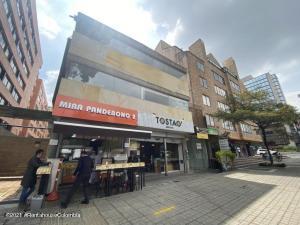 Edificio En Ventaen Bogota, La Porciuncula, Colombia, CO RAH: 22-1167