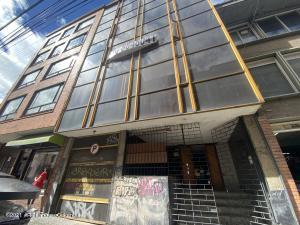 Edificio En Ventaen Bogota, Chapinero Central, Colombia, CO RAH: 22-1185