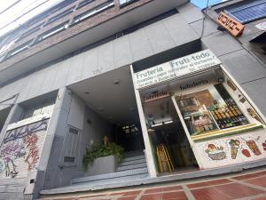 Consultorio En Ventaen Bogota, Chapinero Central, Colombia, CO RAH: 22-1190