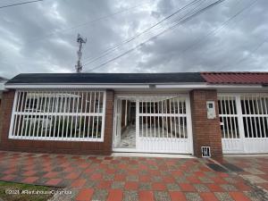 Casa En Ventaen Bogota, Modelia, Colombia, CO RAH: 22-1191