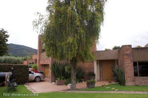Casa En Ventaen Bogota, Guaymaral, Colombia, CO RAH: 22-1197