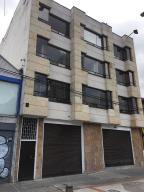 Edificio En Ventaen Bogota, Chapinero Central, Colombia, CO RAH: 22-1225