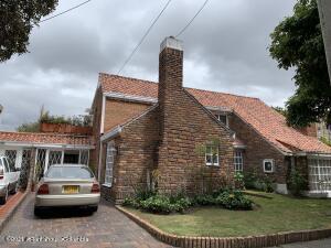 Casa En Arriendoen Bogota, Nuevo Country, Colombia, CO RAH: 22-1238