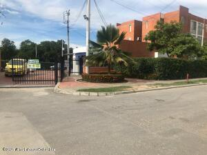 Apartamento En Ventaen Ricaurte, Asociacion Provivienda, Colombia, CO RAH: 22-1241