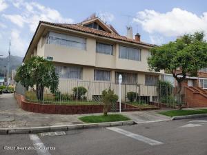 Apartamento En Ventaen Bogota, Santa Bárbara, Colombia, CO RAH: 22-1245