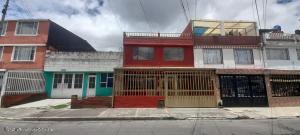 Casa En Ventaen Bogota, San Jorge Central, Colombia, CO RAH: 22-1251