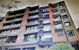 Apartamento En Arriendoen Bogota, Chico Navarra, Colombia, CO RAH: 22-1265