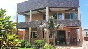 Casa En Ventaen Puerto Colon, Sabanilla, Colombia, CO RAH: 22-1277