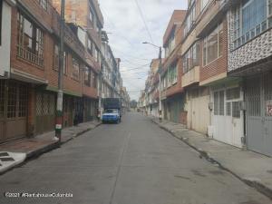 Casa En Ventaen Bogota, Villa Del Dorado, Colombia, CO RAH: 22-1298