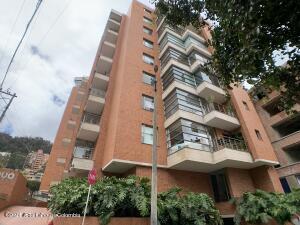 Apartamento En Arriendoen Bogota, El Refugio, Colombia, CO RAH: 22-1287