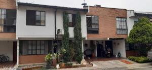 Casa En Ventaen Cali, La Flora, Colombia, CO RAH: 22-1292