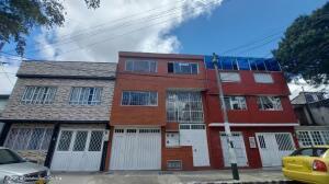 Casa En Ventaen Bogota, Floralia, Colombia, CO RAH: 22-1301