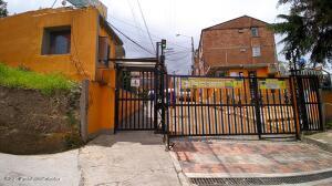 Apartamento En Ventaen Bogota, Buenos Aires, Colombia, CO RAH: 22-1314