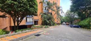 Apartamento En Ventaen Medellin, Loma De San Julian, Colombia, CO RAH: 22-1336