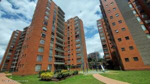 Apartamento En Ventaen Bogota, Cedro Golf, Colombia, CO RAH: 22-1340