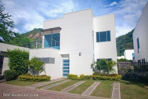 Casa En Ventaen Anapoima, El Guanabano, Colombia, CO RAH: 22-1341