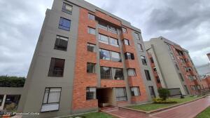 Apartamento En Ventaen Bogota, Granada Norte, Colombia, CO RAH: 22-1351