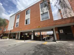 Apartamento En Ventaen Bogota, Villa Alsacia, Colombia, CO RAH: 22-1354