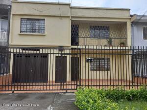 Casa En Ventaen Cali, Champagnat, Colombia, CO RAH: 22-1398
