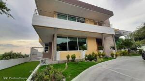 Casa En Arriendoen Puerto Colombia, Altos De Caujaral, Colombia, CO RAH: 22-1409