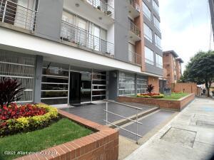Apartamento En Arriendoen Bogota, Belmira, Colombia, CO RAH: 22-1431