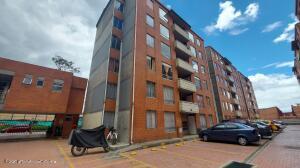 Apartamento En Ventaen Bogota, La Gaitana, Colombia, CO RAH: 22-1438