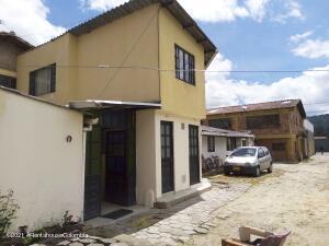 Casa En Ventaen Chia, Las Delicias Norte, Colombia, CO RAH: 22-1446