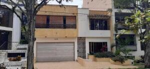 Casa En Ventaen Cali, El Ingenio, Colombia, CO RAH: 22-1414
