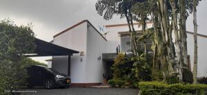 Casa En Ventaen Jamundi, La Morada, Colombia, CO RAH: 22-1479