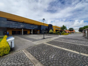 Local Comercial En Arriendoen Bogota, Zona Franca, Colombia, CO RAH: 22-1471