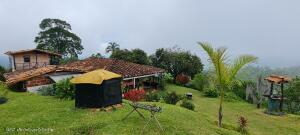 Casa En Ventaen Fredonia, Vereda El Mango, Colombia, CO RAH: 22-1485