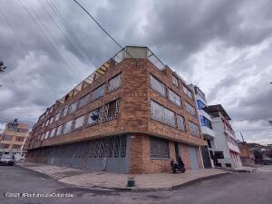 Casa En Ventaen Bogota, Florencia, Colombia, CO RAH: 22-1501