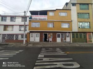 Casa En Ventaen Bogota, Granada Norte, Colombia, CO RAH: 22-1494