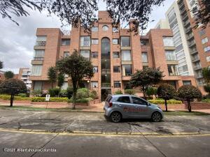 Apartamento En Ventaen Bogota, Acacias Usaquen, Colombia, CO RAH: 22-1506