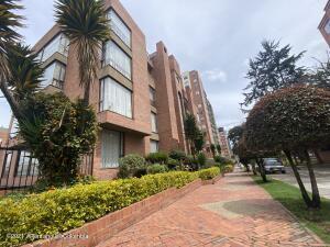 Apartamento En Arriendoen Bogota, Acacias Usaquen, Colombia, CO RAH: 22-1507