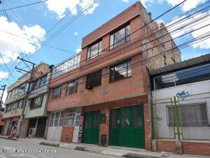 Casa En Ventaen Bogota, Sabanas Del Dorado, Colombia, CO RAH: 22-1505