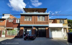 Casa En Ventaen Bogota, Kennedy, Colombia, CO RAH: 22-1508