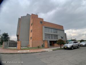 Casa En Ventaen Bogota, Hayuelos, Colombia, CO RAH: 22-1524