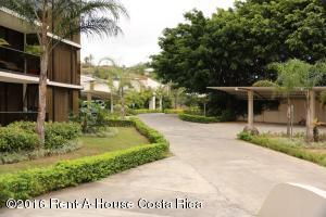Apartamento En Alquileren Escazu, Escazu, Costa Rica, CR RAH: 16-31