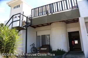 Casa En Ventaen Rohrmoser, San Jose, Costa Rica, CR RAH: 16-117