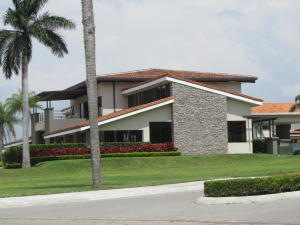 Casa En Ventaen Santa Ana, Santa Ana, Costa Rica, CR RAH: 16-621