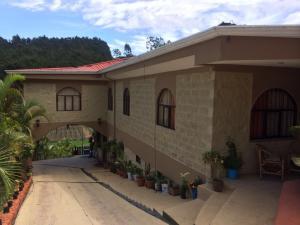 Casa En Ventaen Cartago Centro, El Guarco, Costa Rica, CR RAH: 16-711