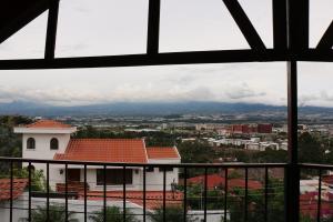 Casa En Ventaen San Rafael Escazu, Escazu, Costa Rica, CR RAH: 16-786