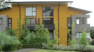 Apartamento En Ventaen Santa Ana, Santa Ana, Costa Rica, CR RAH: 16-579